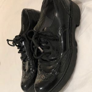 Geox black patent leather oxfords